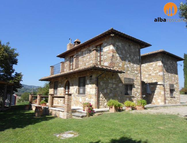 <h3><a href='https://www.alba-toscana.eu/en/st/158/'>Villa with pool in Tuscany in Chianciano Terme - Podere Il Biancospino</a></h3><p>