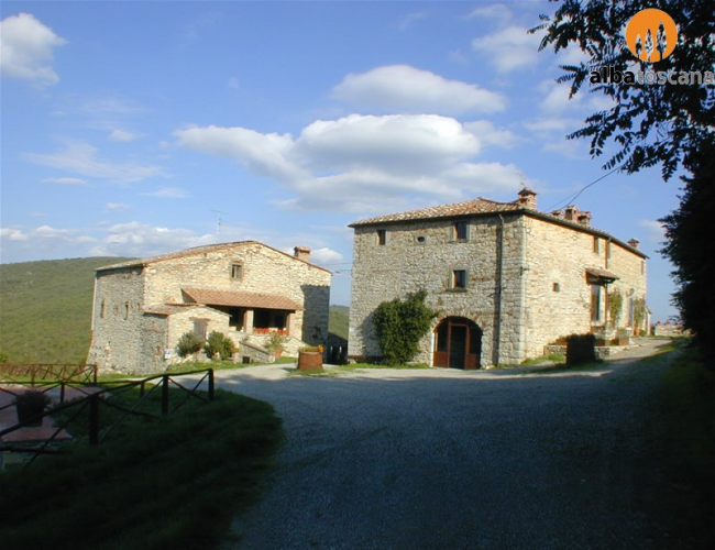 <h3><a href='http://www.alba-toscana.eu/st/47/'>Apartments in country home with pool in Chianti Tuscany</a></h3><p>