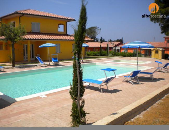 <h3><a href='https://www.alba-toscana.eu/it/st/58/'>Appartamento con piscina Residence Scarlino Marina Toscana</a></h3><p> Questi appartamenti in Toscana si trovano a pochi passi dal mare e a pochi chilometri dal borgo medioevale di Scarlino, in un nuovo Residence a Scarlino Marina. E' il luogo ideale dove<a href='https://www.alba-toscana.eu/it/st/58/'> ...leggi tutto</a></p>